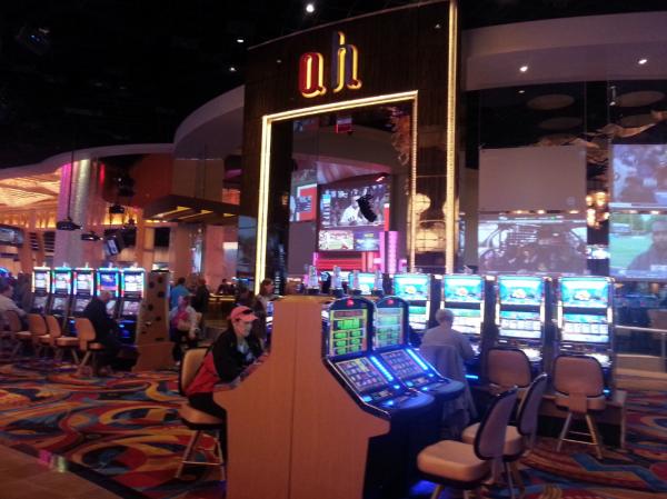 hollywood casino slot machines